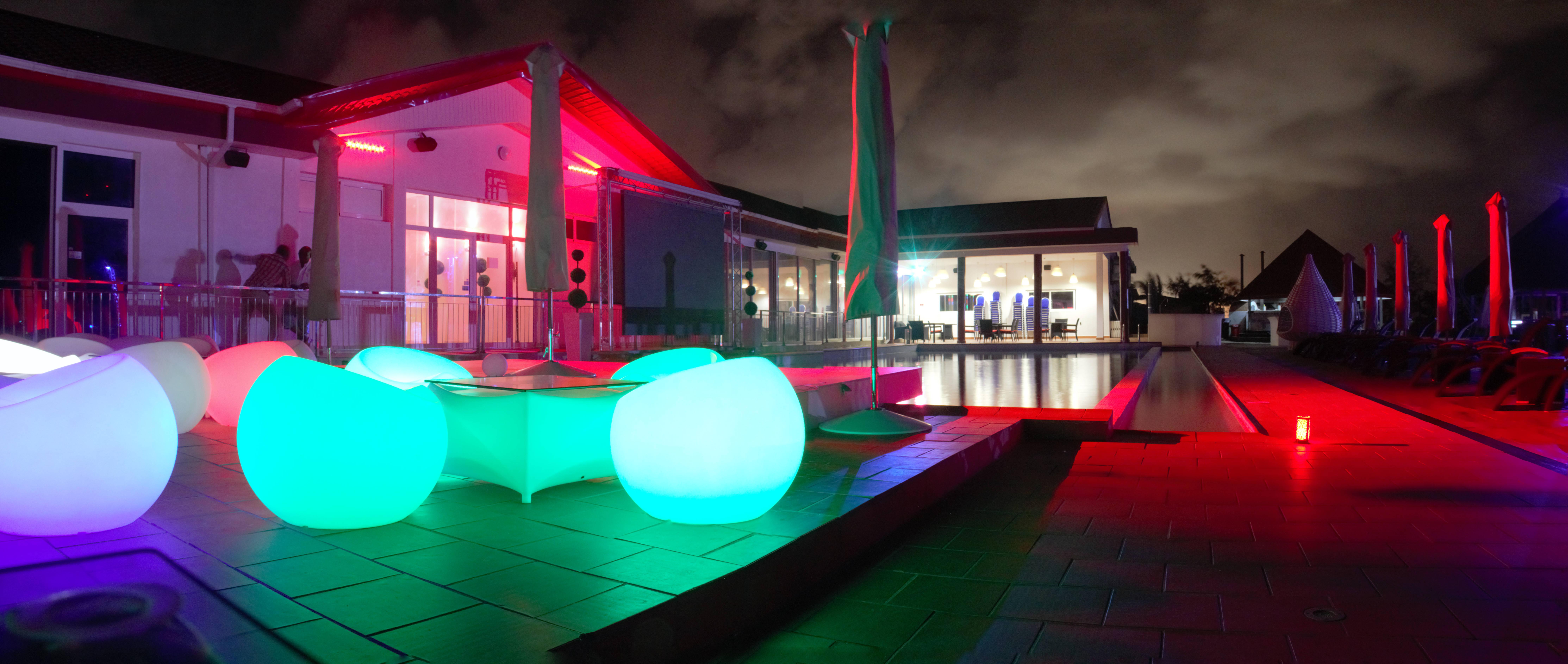 dream-beach-complexe-restaurant-lounge-bar-plage-privee-a-cotonou- (1)