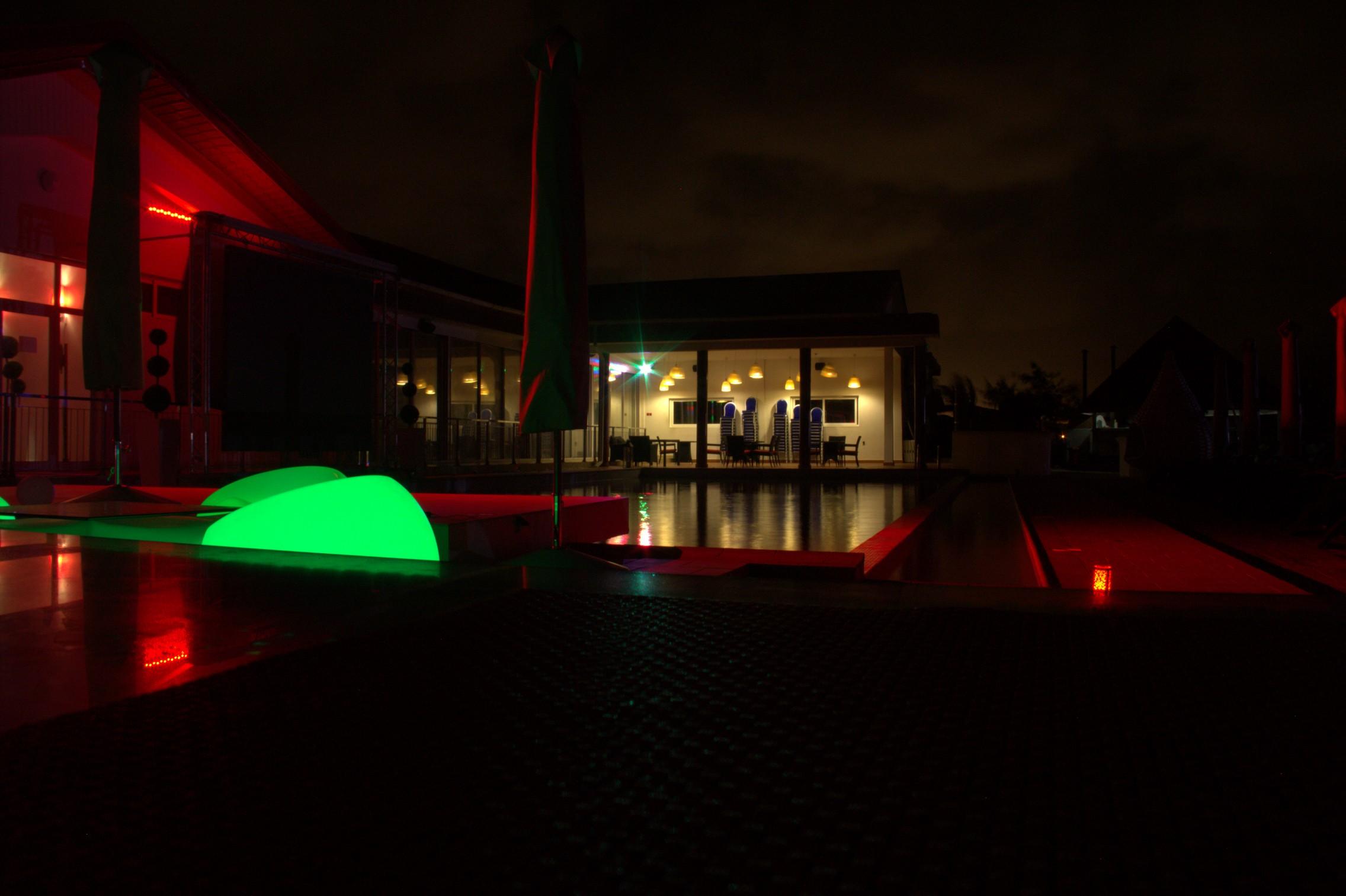 dream-beach-complexe-restaurant-lounge-bar-plage-privee-a-cotonou- (4)